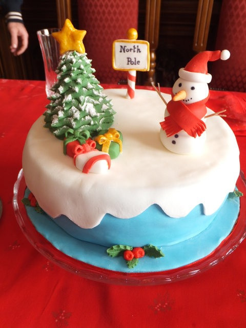 Fancy Christmas Cakes  29 best My cakes images on Pinterest