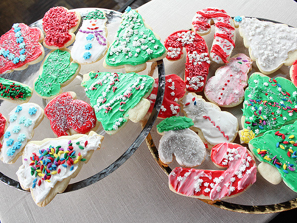 Food Network Christmas Cookies  Trisha Yearwood s Iced Sugar Cookies