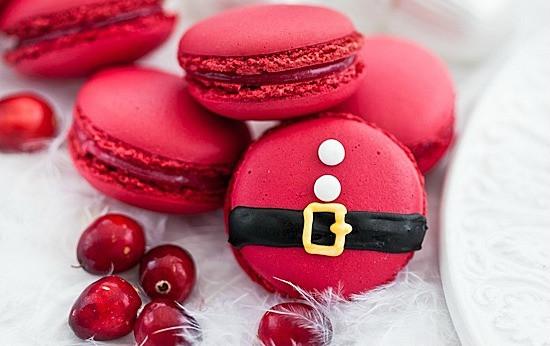 Fun Christmas Dessert  Santa Claus Desserts Decorated Christmas Desserts