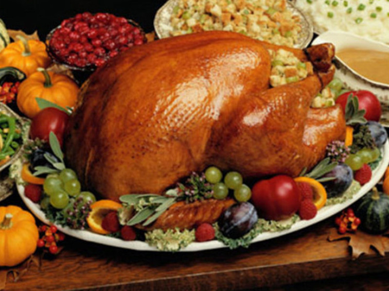 Giant Thanksgiving Turkey Dinner  Restaurants and Stores That Will Cook Thanksgiving Dinner