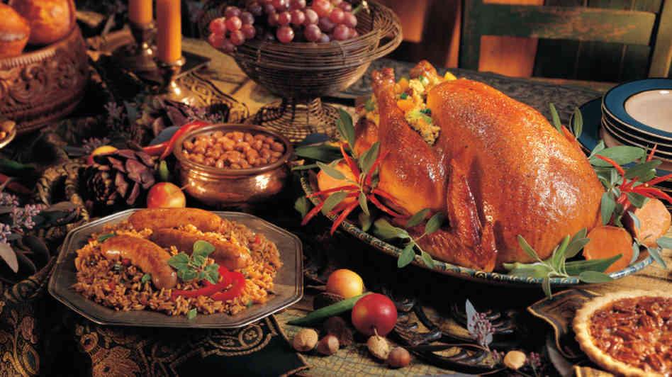 Giant Thanksgiving Turkey Dinner  08 April 2014