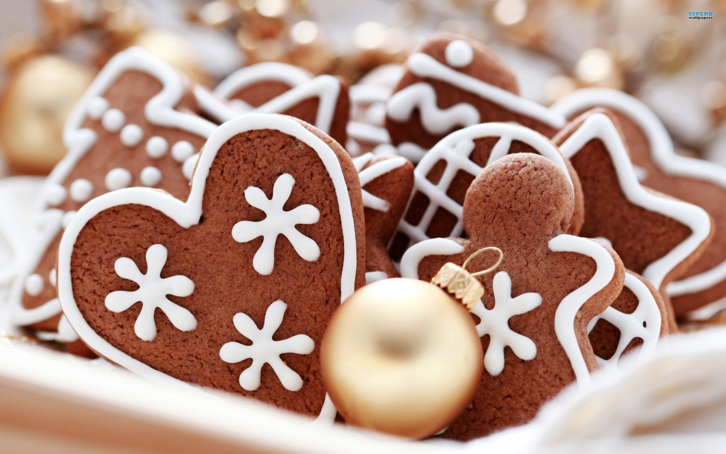 Gingerbread Christmas Cookies  21 Stunningly Beautiful Christmas Desktop Wallpapers