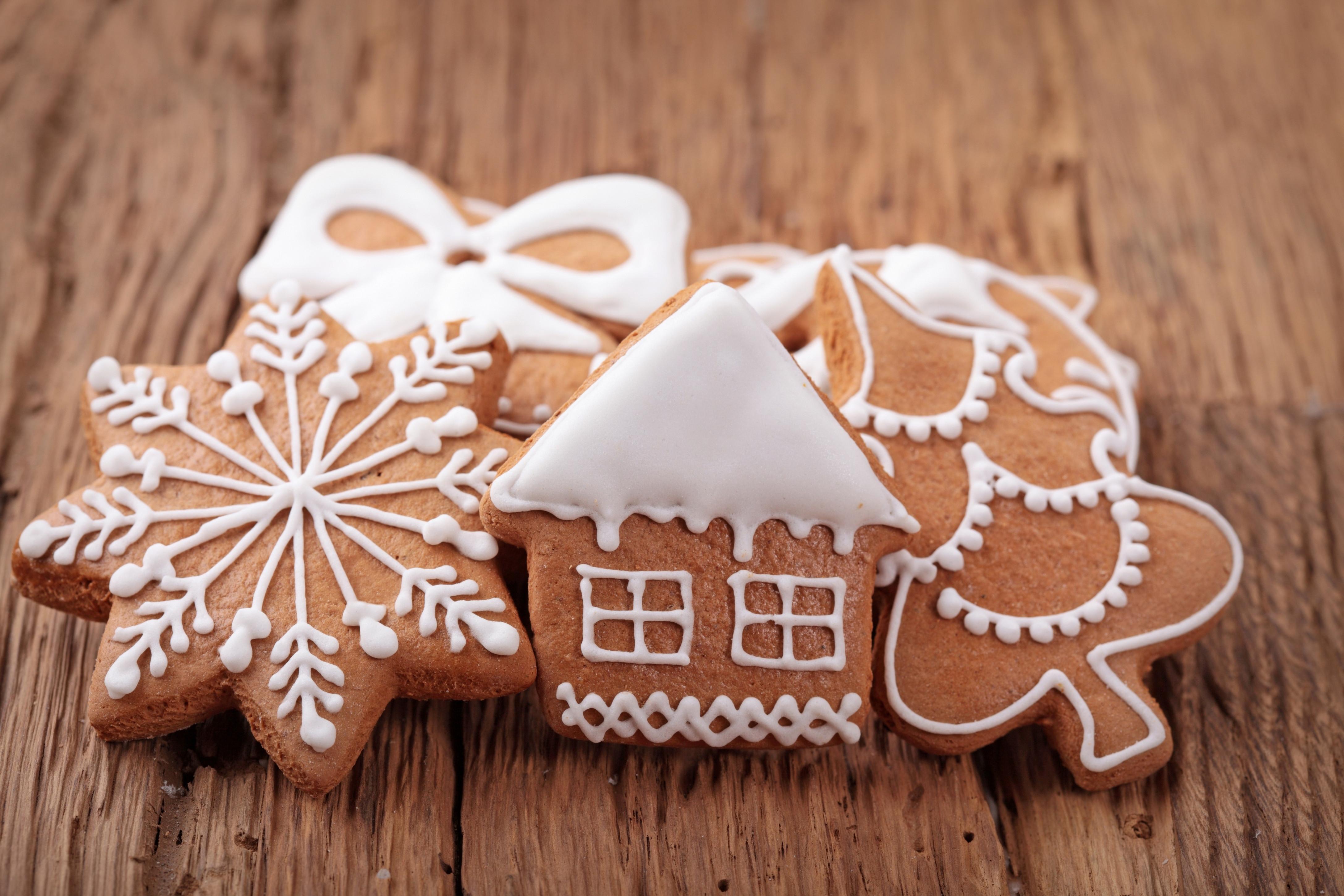 Good Christmas Cookies  North Pole Bureau Investigations Case 1225 Case of