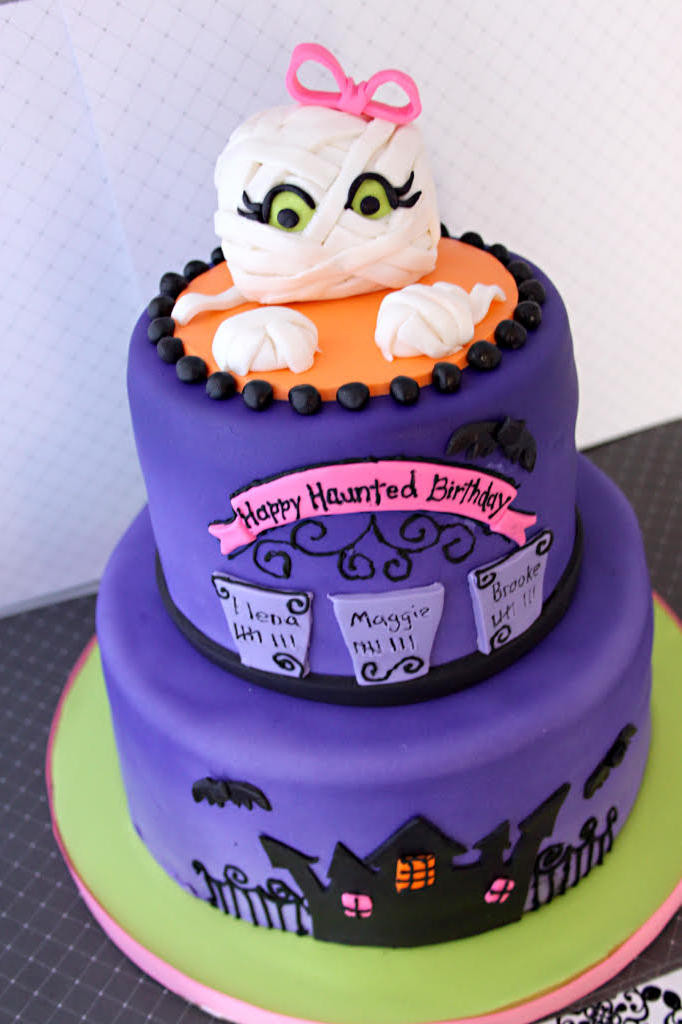 Halloween Birthday Cakes For Kids  13 Ghoulishly Festive Halloween Birthday Cakes Southern