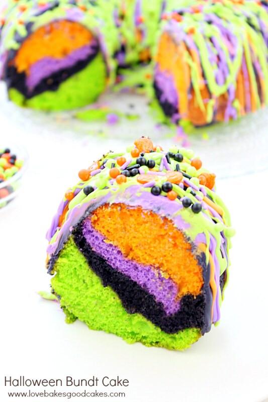 Halloween Bundt Cake  Halloween Bundt Cake