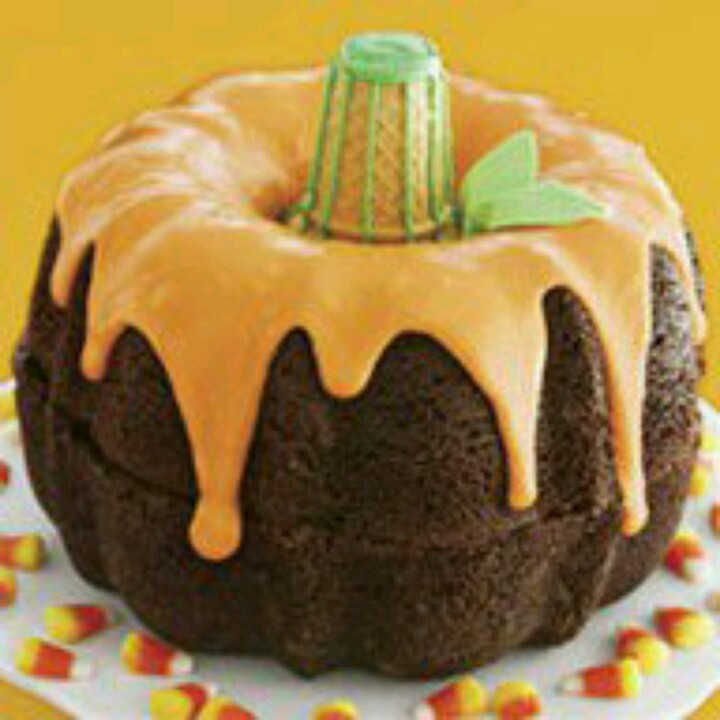 Halloween Bundt Cake  1000 images about Holiday on Pinterest