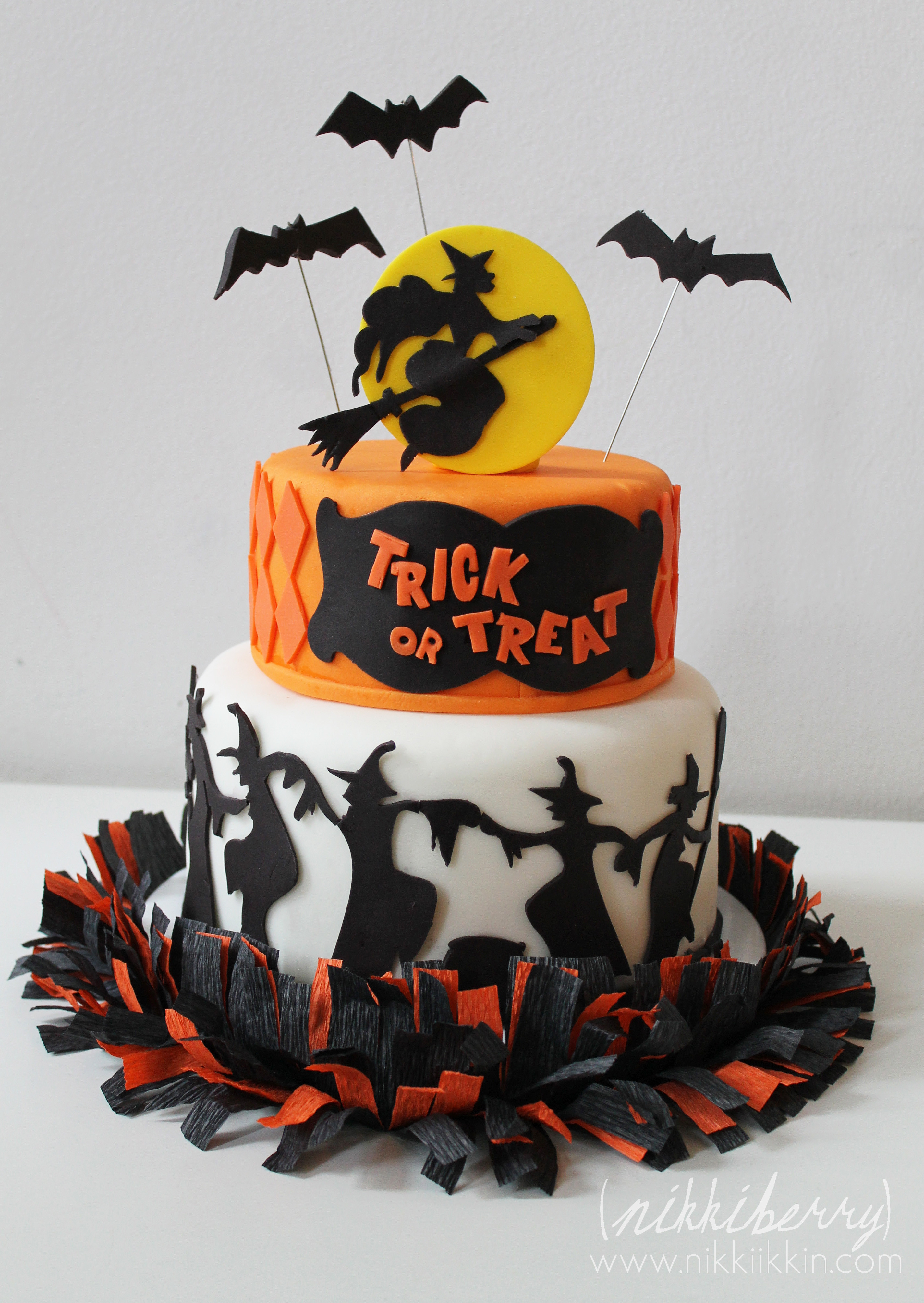 Halloween Cakes Images  Dancing Witches Halloween Cake