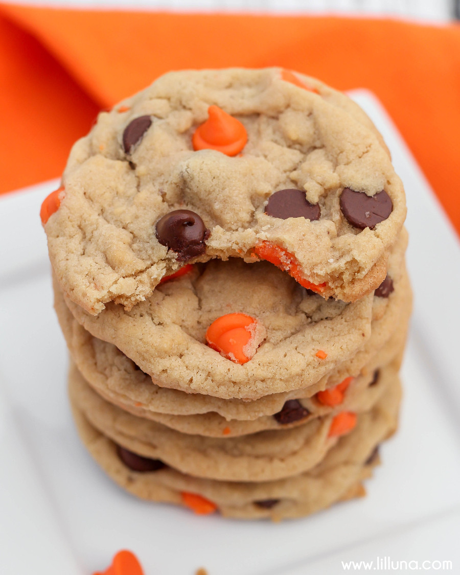 Halloween Candy Cookies  Halloween Chocolate Chip Cookies