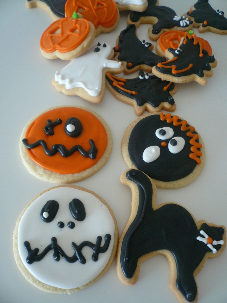 Halloween Cookies Decorating  17 Best images about Cookies Decorate Tips on Pinterest