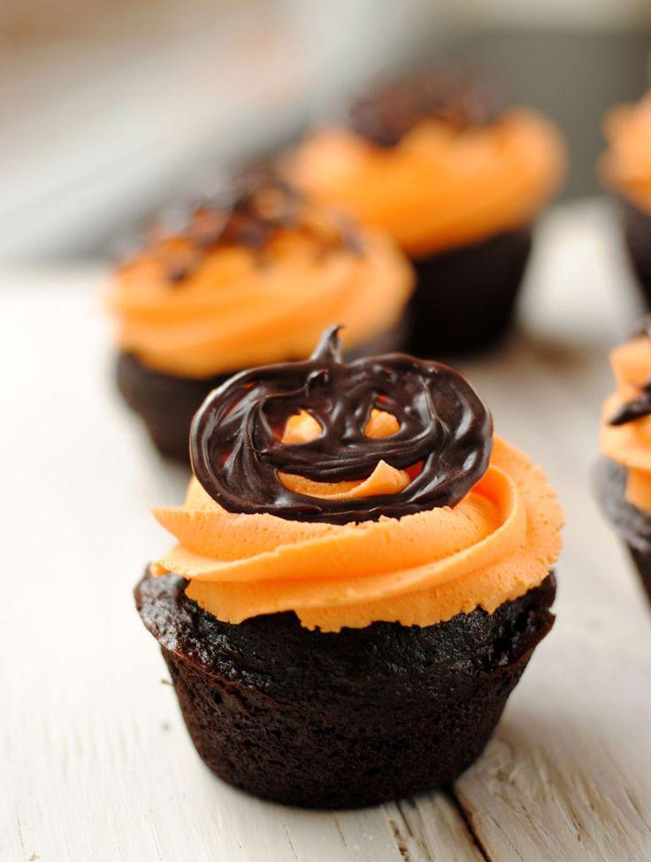 Halloween Cupcakes Cakes  25 best ideas about Halloween cupcakes on Pinterest