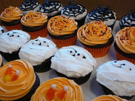 Halloween Cupcakes Decorating Ideas  Healthiana Halloween Cupcake Decorating Ideas