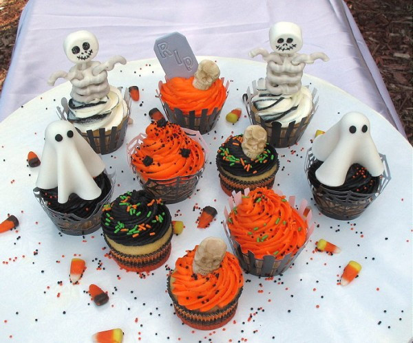 Halloween Cupcakes Decorations  Easy Halloween Cupcake Decorations CakeCentral