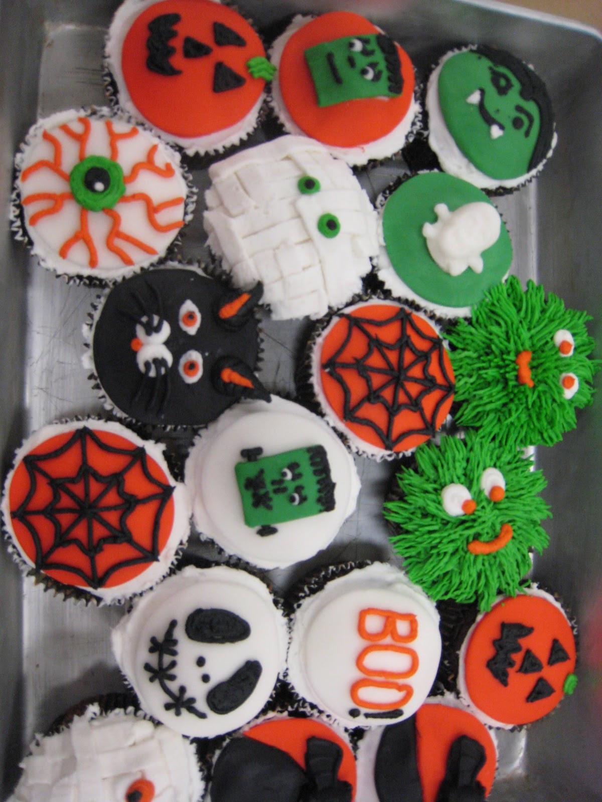Halloween Cupcakes Decorations  Judy Cakes Sugar Arts Halloween Cupcake Decorating Class