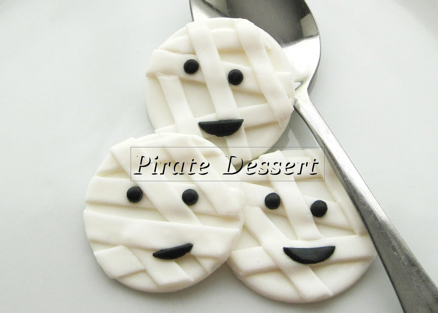 Halloween Cupcakes Toppers  Edible Halloween cupcake toppers MUMMY Fondant cake