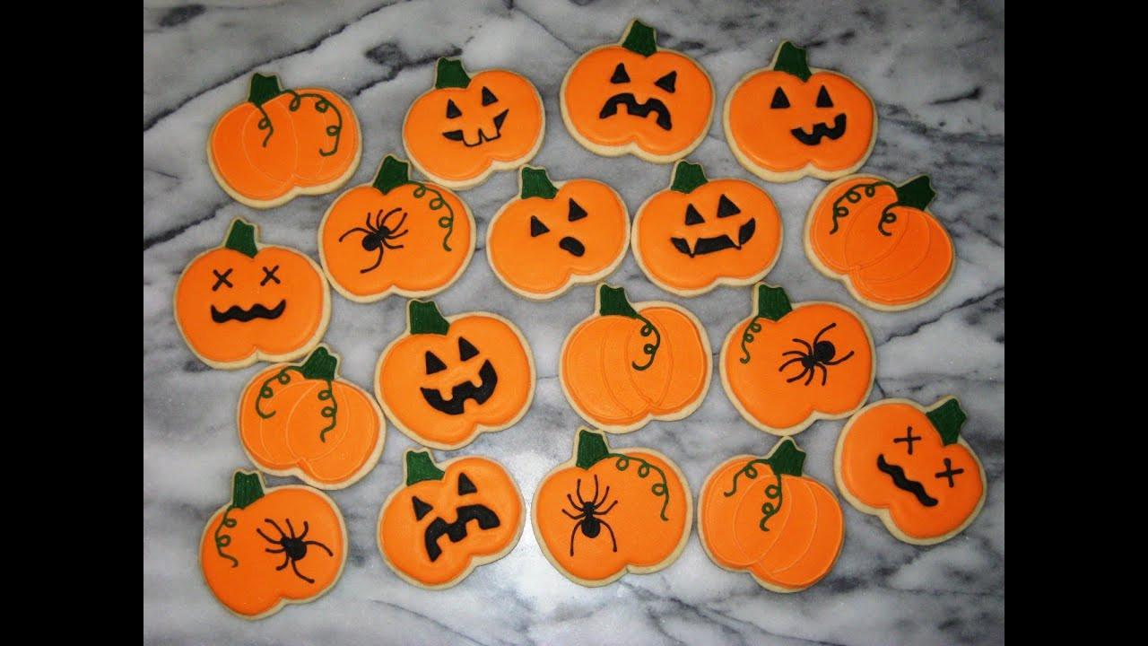 Halloween Decorated Cookies  decorating halloween cookies