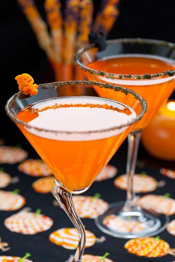 Halloween Drinks With Vodka  Four Spooky Cocktails for Halloween