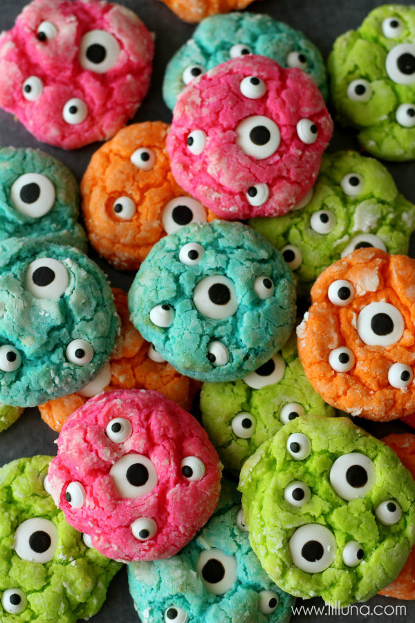 Halloween Eyeball Cookies  Gooey Monster Cookies
