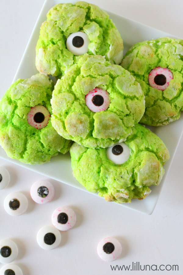 Halloween Eyeball Cookies  Gooey Monster Eye Cookies