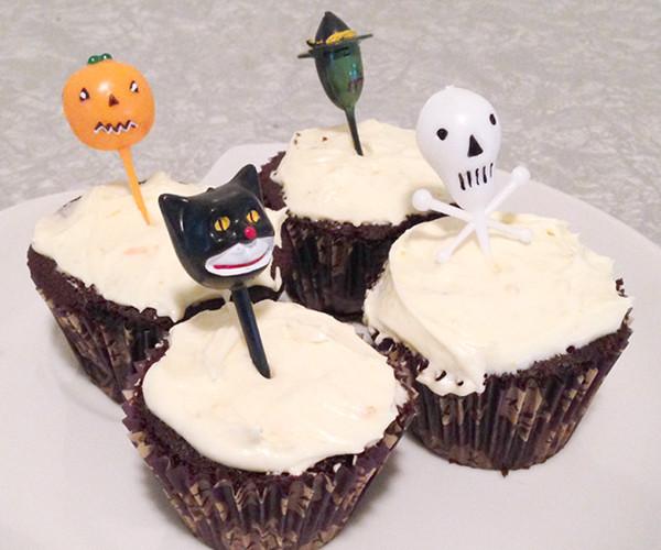 Halloween Inspired Cupcakes  Reware Vintage