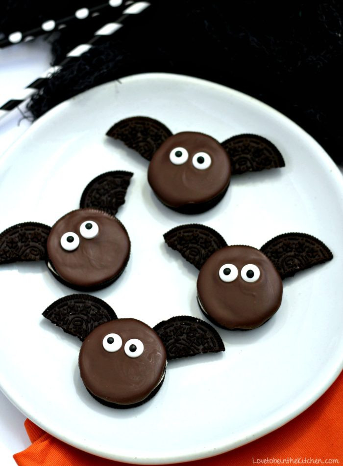 Halloween Oreo Cookies  Bat Oreos Love to be in the Kitchen