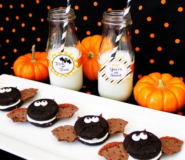Halloween Party Cookies  Easy Vampire Bat Cookies