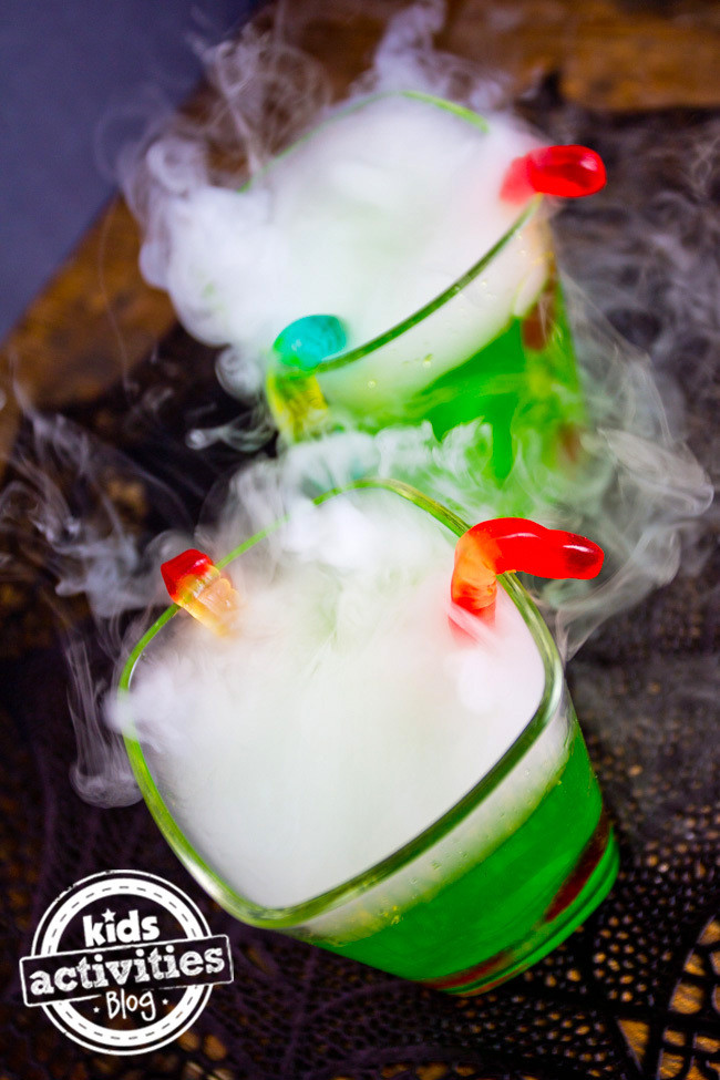 Halloween Party Drinks For Kids  Halloween Party Drink Spooky Fog Drinks