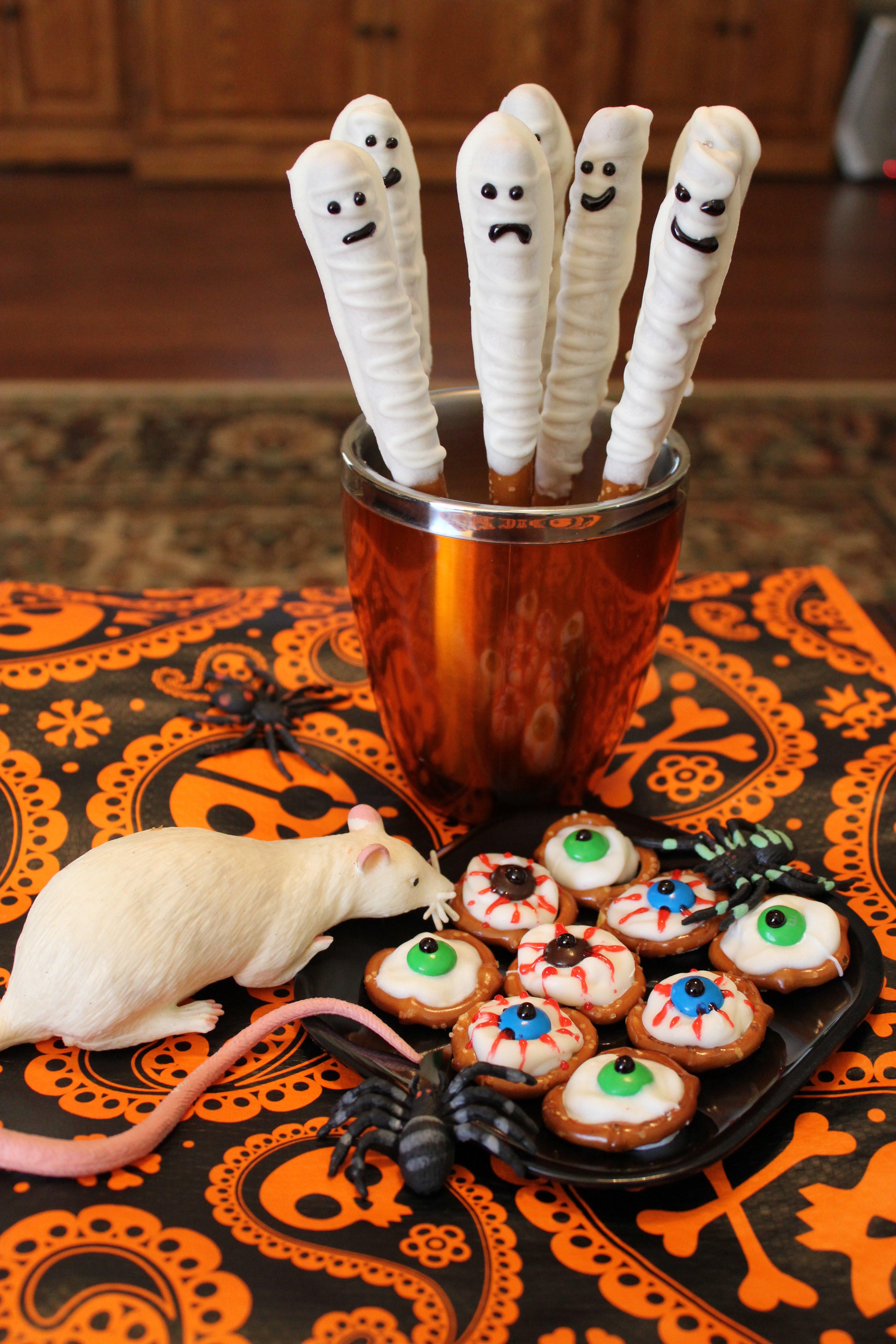 Halloween Pretzels Treats  Sweet Spooky Treats for Halloween