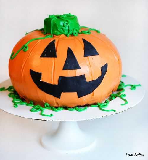 Halloween Pumkin Cakes  Halloween Pumpkin Cake Surprise Inside Cake i am baker