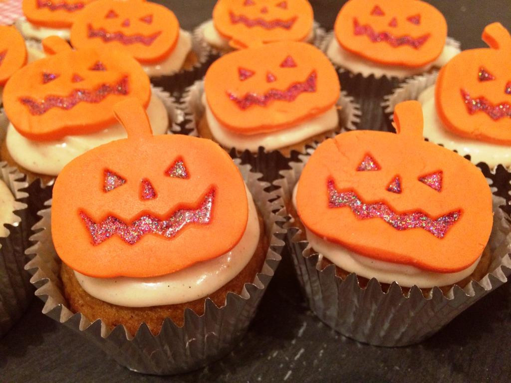 Halloween Pumpkin Cupcakes  Halloween Pumpkin Cupcakes