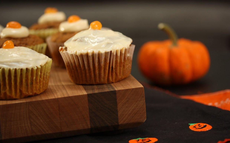 Halloween Pumpkin Cupcakes  A Healthy Halloween Pumpkin Cupcake