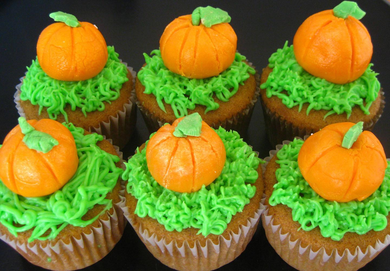 Halloween Pumpkin Cupcakes  Pumpkin Fall Cupcake Ideas For Kids by romika