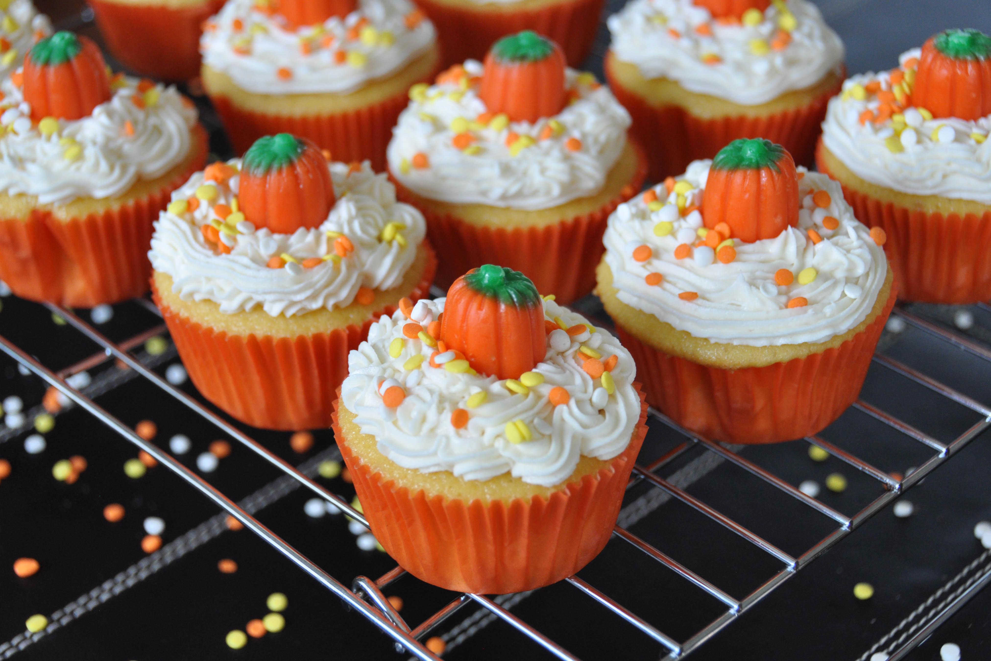 Halloween Pumpkin Cupcakes  Pumpkin Cupcakes