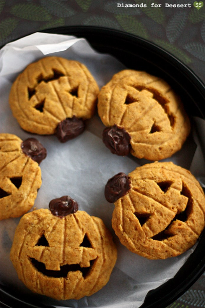 Halloween Pumpkin Recipes  Pumpkin Halloween Cookies 5 Pumpkin Halloween Cookies You