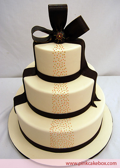 Halloween Themed Wedding Cakes  Classy Halloween Wedding Inspiration The Pink Bride