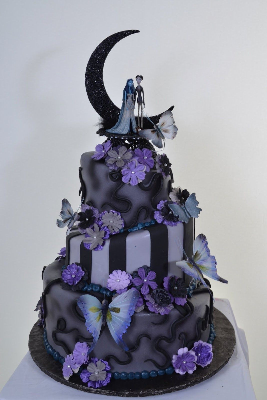 Halloween Wedding Cakes Ideas  70 Unique Halloween Wedding Cakes