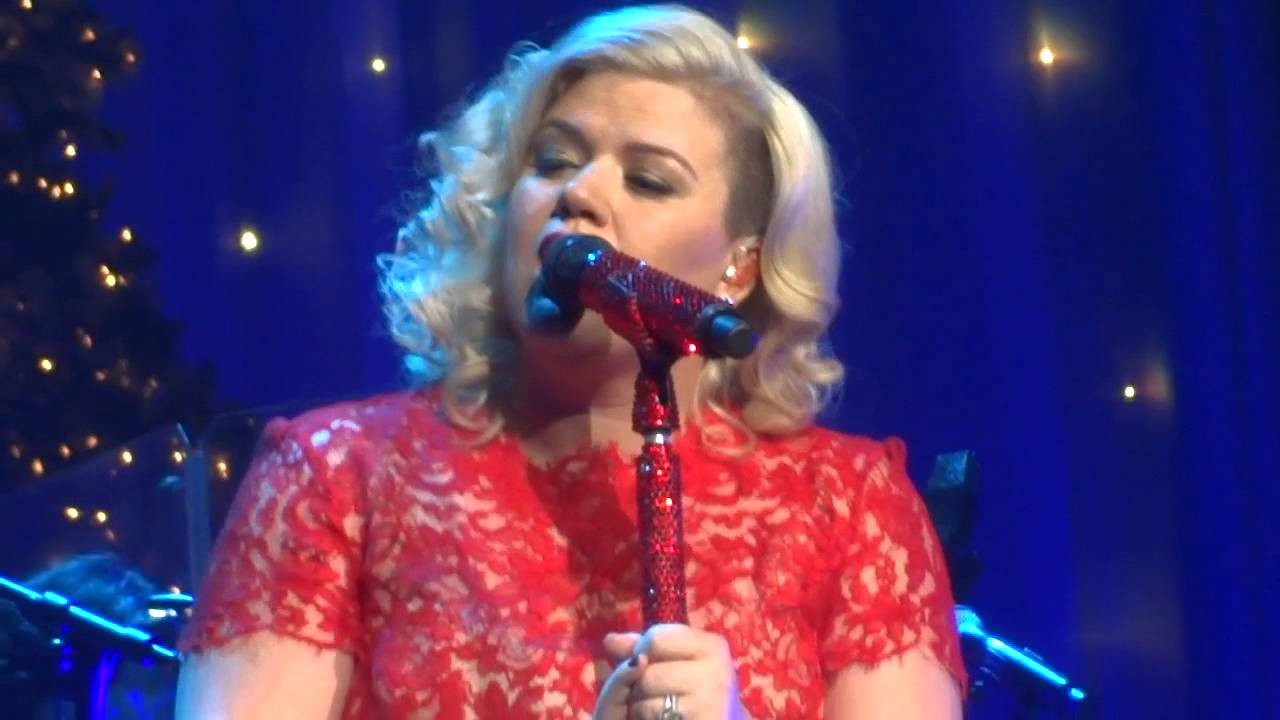 """Hard Candy Christmas Dolly Parton  Kelly Clarkson s Miracle on Broadway """"HARD CANDY CHRISTMAS"""