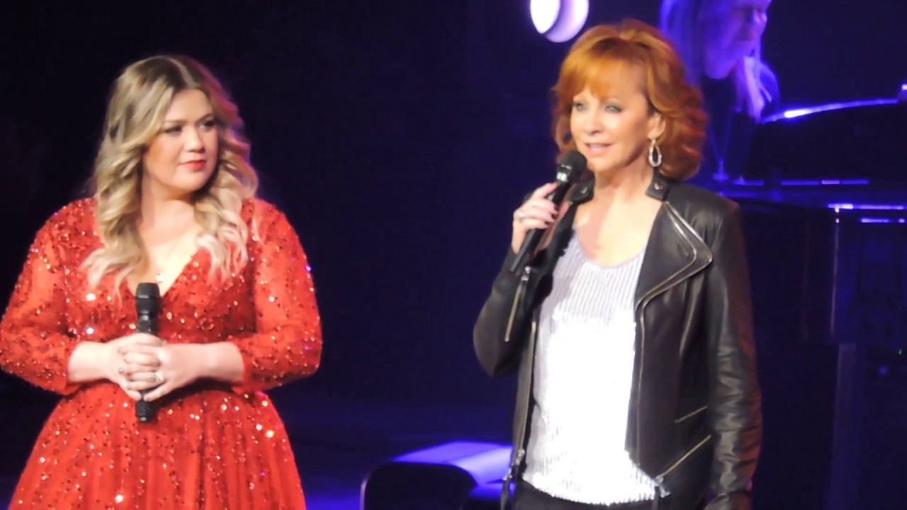Hard Candy Christmas Trisha Yearwood  Reba joins Kelly Clarkson and Sings 3 Holiday Songs 2016