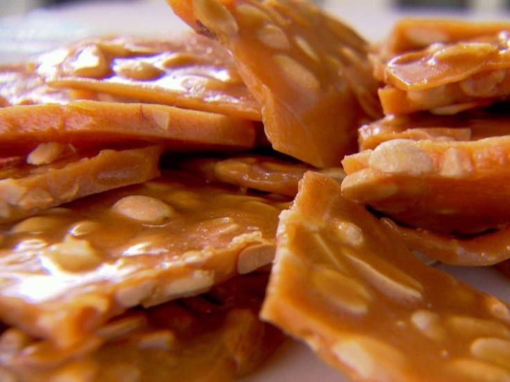 Hard Candy Christmas Trisha Yearwood  Trisha Yearwood s Peanut Brittle easy recipe that makes