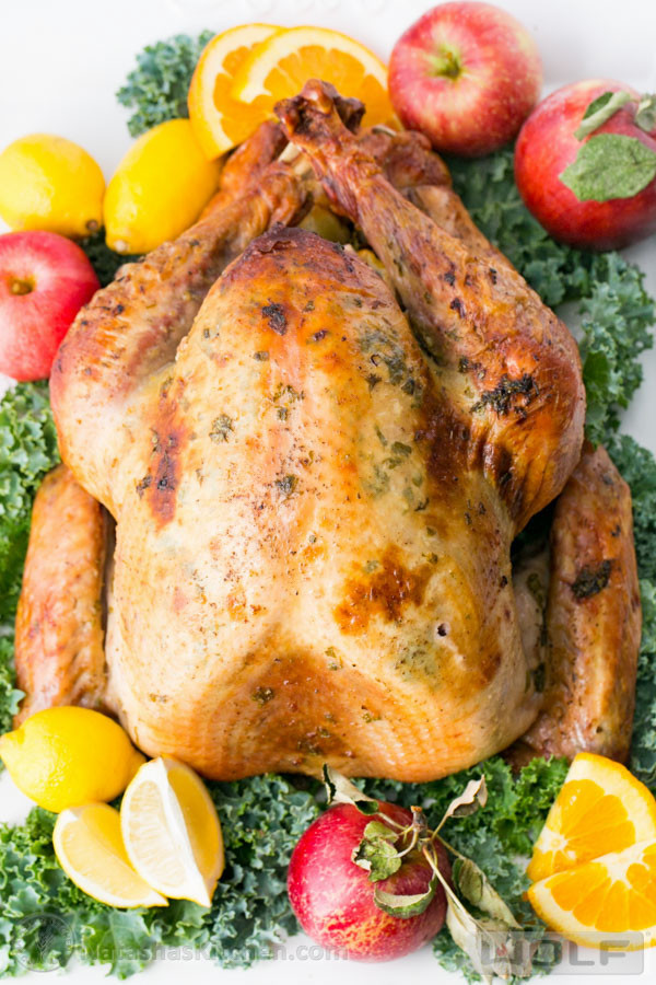 Juicy Thanksgiving Turkey  Favorite Thanksgiving Recipes The Crafting Chicks
