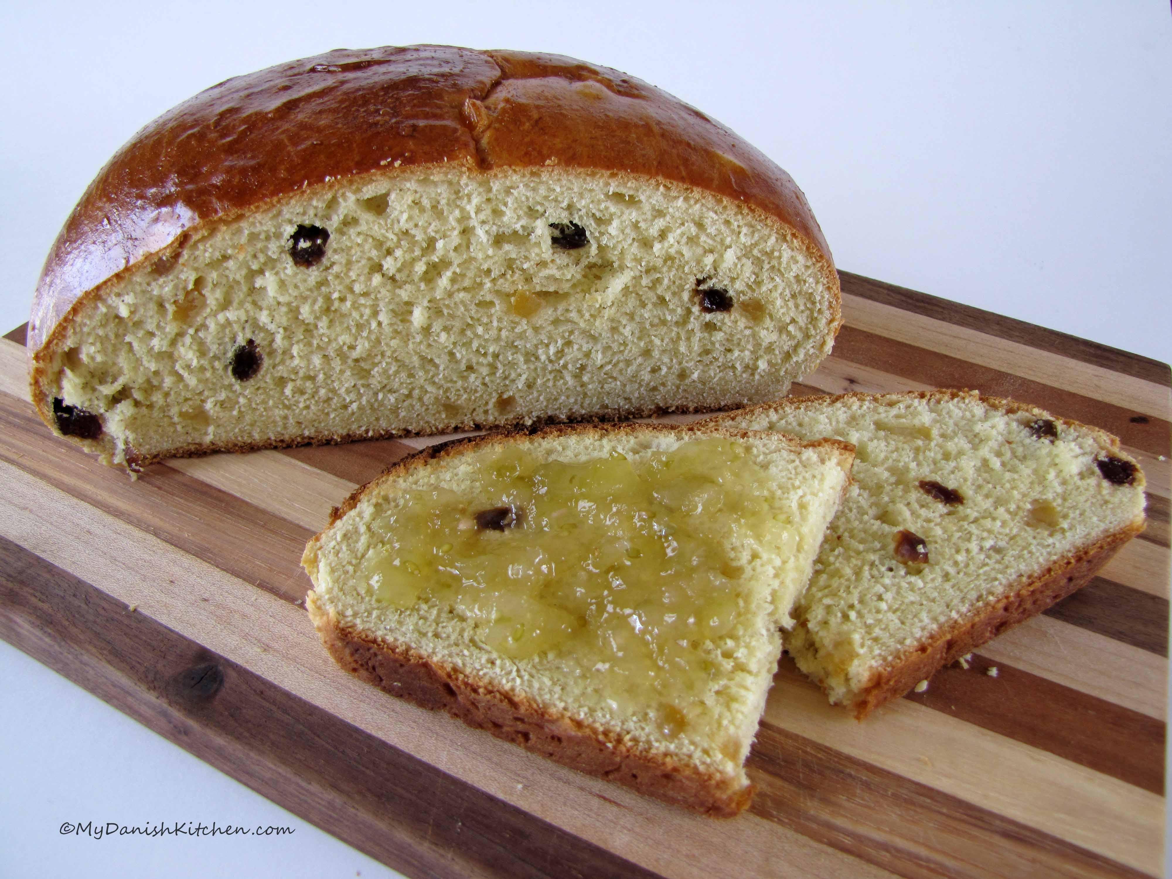 Julekake Norwegian Christmas Bread Recipe  Julekake – Norwegian Christmas Bread