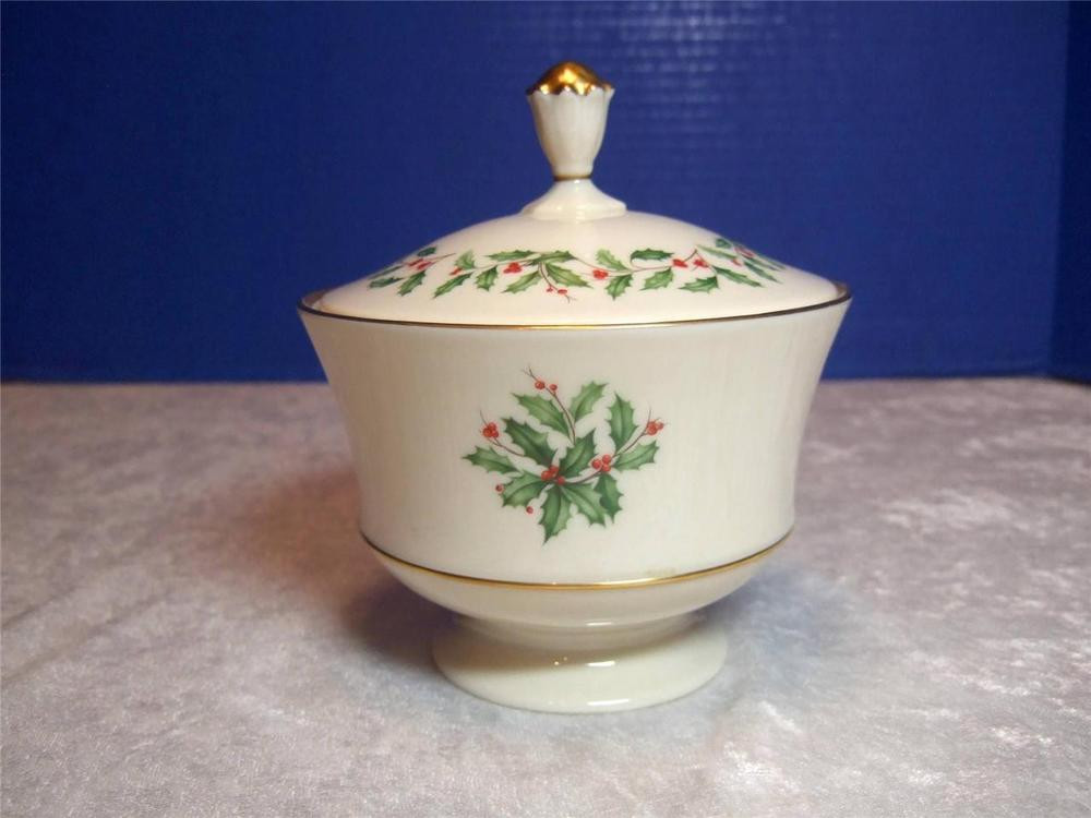 Lenox Christmas Candy Dish  Lenox Holiday Dimension Footed Candy Dish with Lid 24K