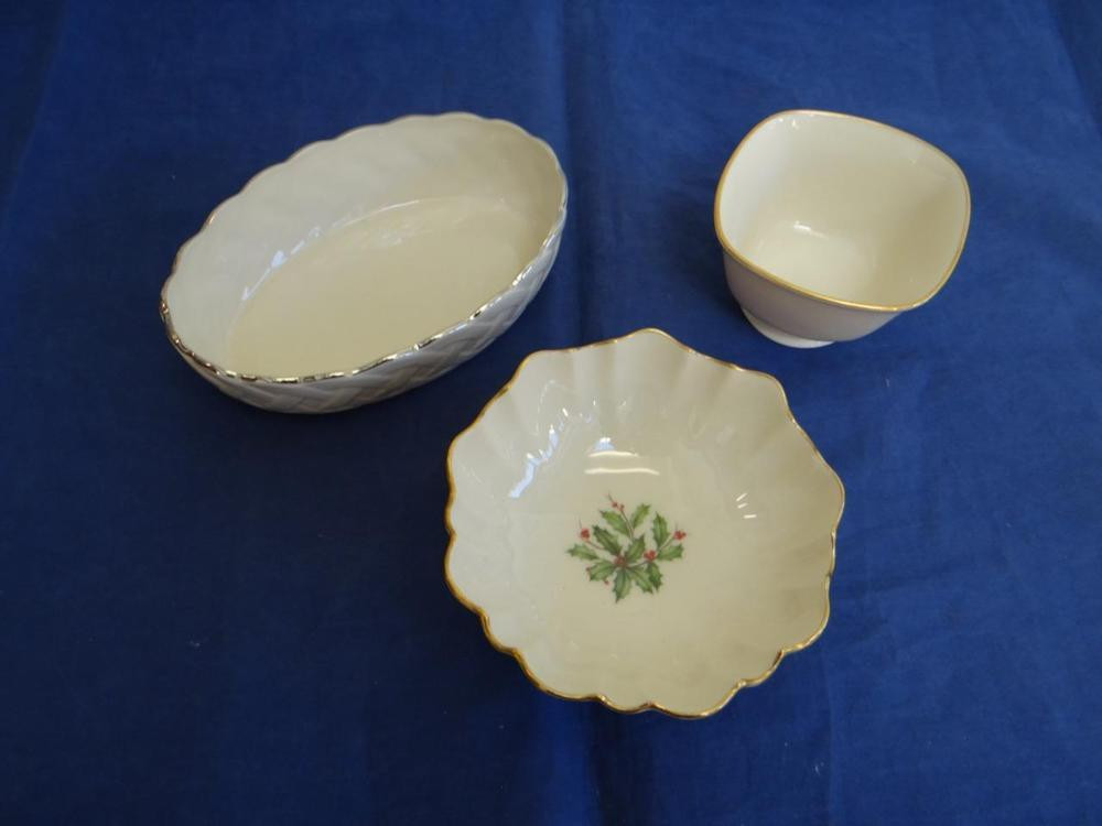 Lenox Christmas Candy Dish  LENOX Christmas Candy Dish Bowls W Holly Pattern Basket