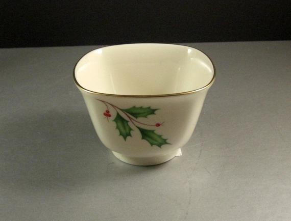 Lenox Christmas Candy Dish  Lenox Holiday Nut Candy Potpourri Candle Dish Holly Berries