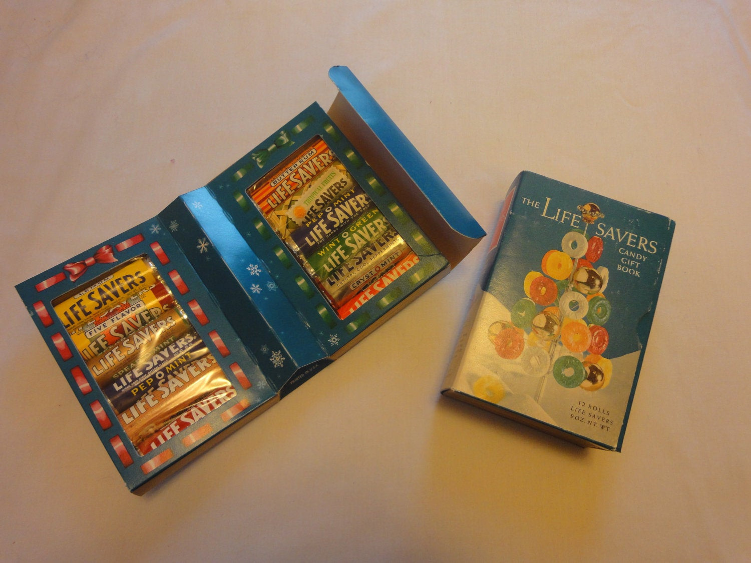 Lifesavers Christmas Candy Book  1950 s LifeSavers Candy Gift Book