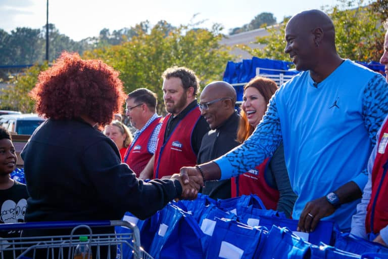 Lowes Foods Thanksgiving Dinners  Lowe's provides Thanksgiving meals to munities
