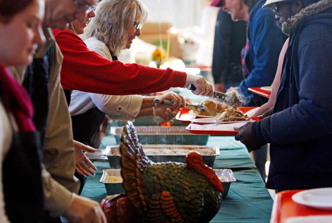 Lowes Foods Thanksgiving Dinners  Don t Volunteer to Feed the Needy on Thanksgiving