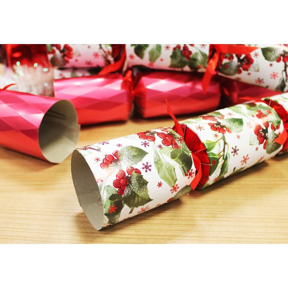 Luxury Christmas Crackers  Luxury Holly Christmas Crackers Pack 6