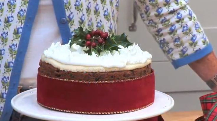 Mary Berry Christmas Cakes  Mary Berry how to bake a Christmas cake