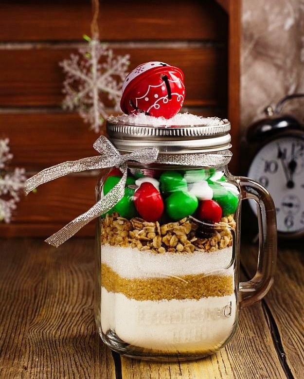 Mason Jar Christmas Cookies  DIY Christmas Gifts For Everyone In Your List
