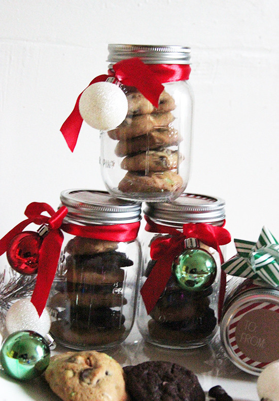 Mason Jar Christmas Cookies  DIY Holiday Cookie Gift Jars with NESTLÉ TOLL HOUSE